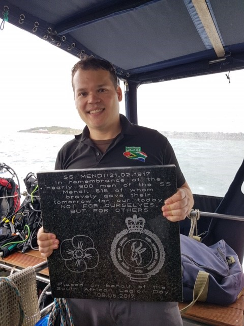 Moments before the commemorative dive - 20 Kg plaque ready for dedication to our heroes